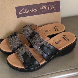 4d40c95f5a43 ... Clarks 7.5 Delana Fenela Black Leather Sandal ...